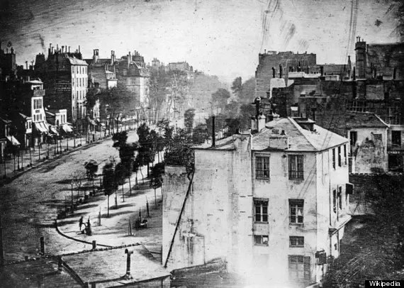 Bức ảnh đầu tiên do con người chụp Được chụp vào cuối năm 1838